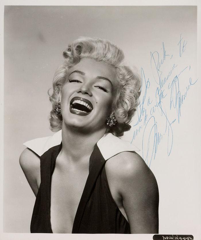 Unpublished-Marilyn-Monroe-photos-before-the-great-glory-will-go-to-the-auction-5ab213fa62e3c__700 Мэрилин Монрогийн олонд дэлгэгдэж байгаагүй зургууд
