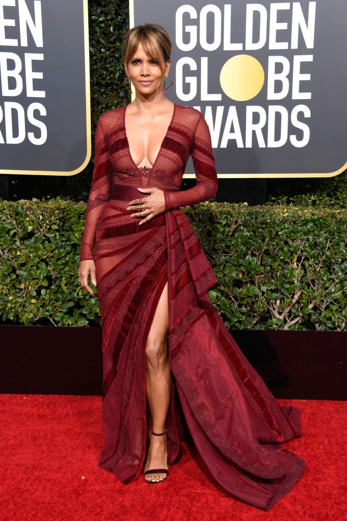 halle-berry-attends-the-76th-annual-golden-globe-awards-at-news-photo-1078338530-1546826230 Алтан бөмбөрцөг 2019: Улаан хивсний ёслол