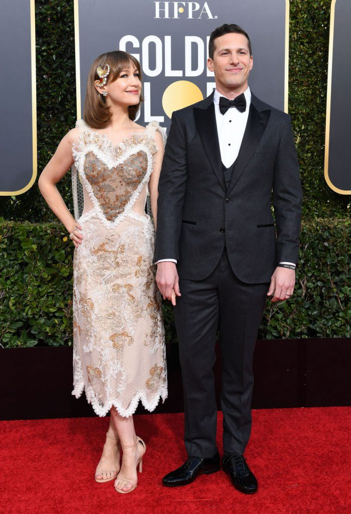 host-and-actor-andy-samberg-and-his-wife-joanna-newsom-news-photo-1078330918-1546816708-700x1024 Алтан бөмбөрцөг 2019: Улаан хивсний ёслол