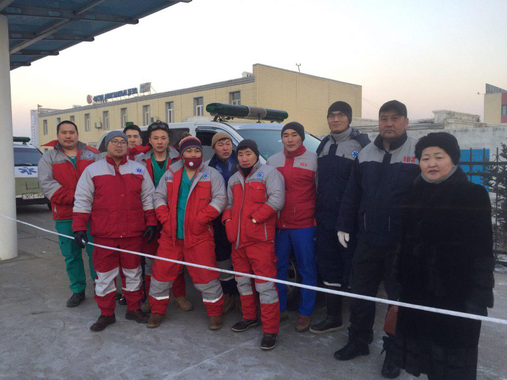 photo_2019-01-09_10-38-46-1024x767 Замын-Үүдэд осолдсон иргэдэд эмнэлгийн тусламж үйлчилгээ үзүүлж байна