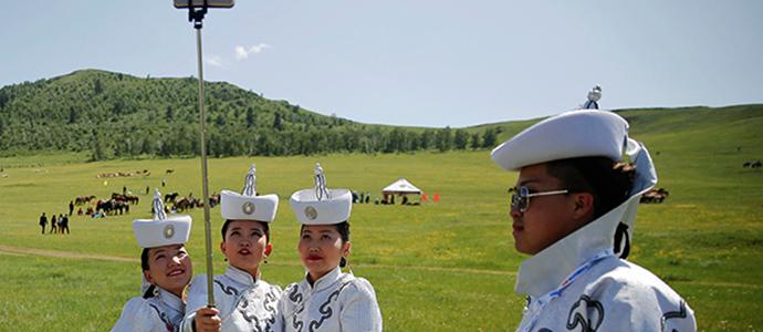zalgah Оросын хэвлэл монгол эмэгтэйчүүдийг дэлхийн хамгийн эрх чөлөөтэй гэж тодорхойлжээ