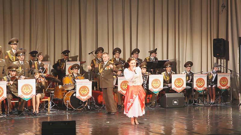 004 Оросын армийн Александровын нэрэмжит дуу, бүжгийн чуулга Монголд ирнэ