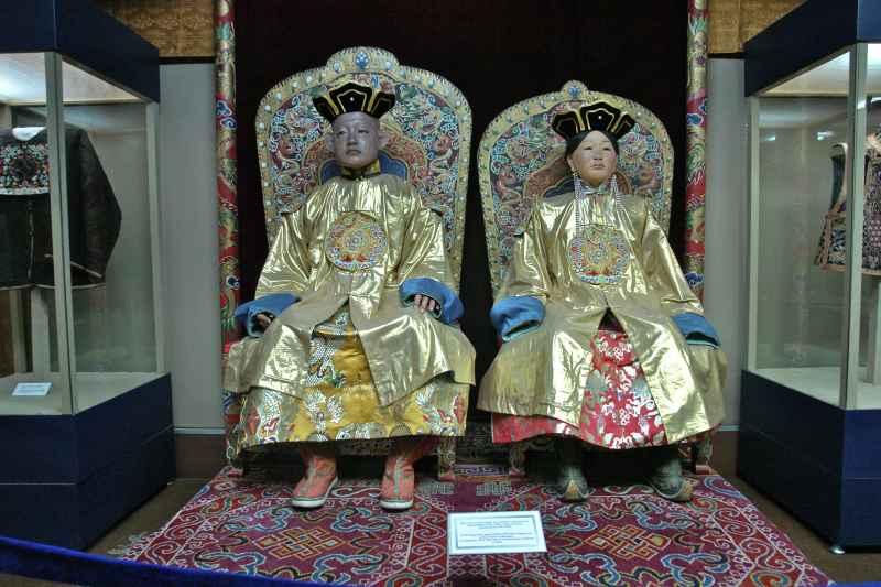 10-3 Богд хааны ордон музейн үнэ цэнэтэй үзмэрүүд...