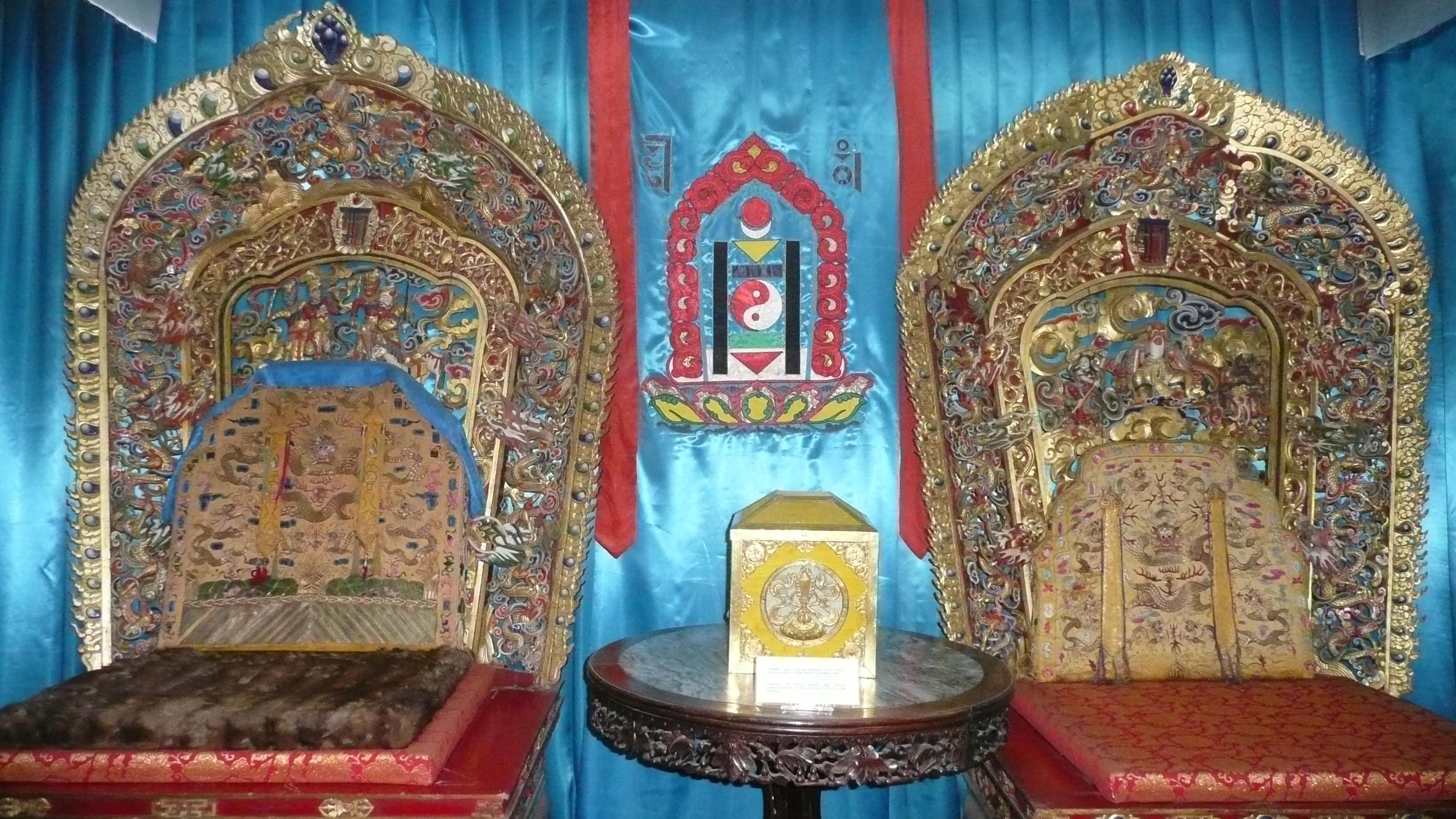 11-5 Богд хааны ордон музейн үнэ цэнэтэй үзмэрүүд...