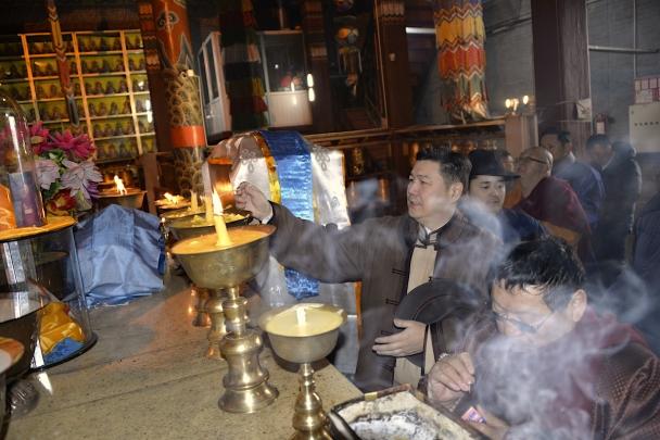 2-4 Монголын төр, түмний эх шүтээн Очирдарь шүтээнд мандал өргөлөө