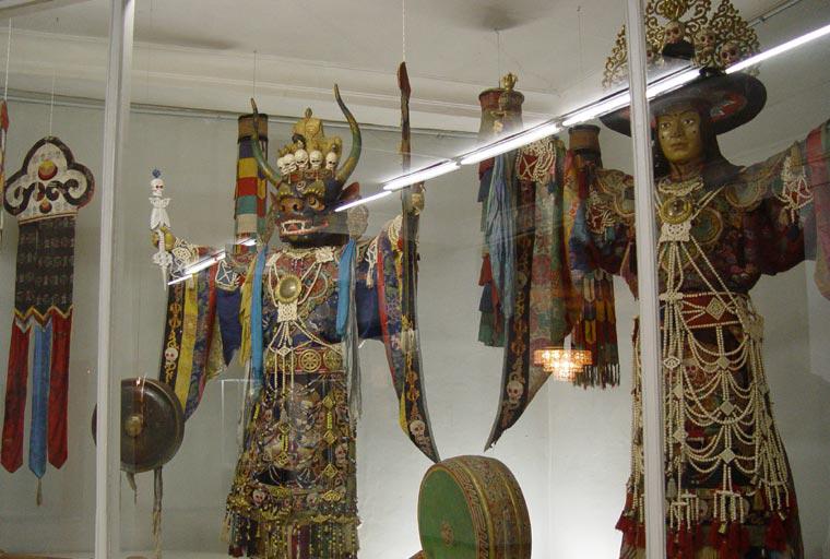 2-8 Богд хааны ордон музейн үнэ цэнэтэй үзмэрүүд...