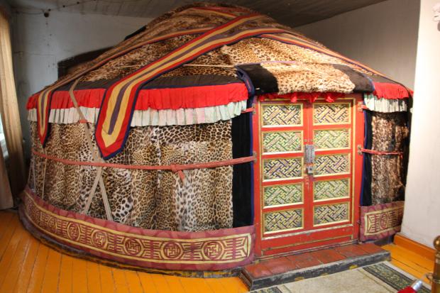 7-3 Богд хааны ордон музейн үнэ цэнэтэй үзмэрүүд...