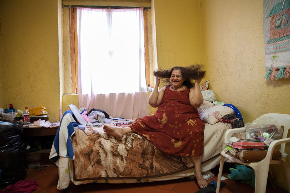 9-11 Ахмад биеэ үнэлэгчдэд зориулсан асрамжийн газрын эзэн Кармен Мунозын бодит түүх