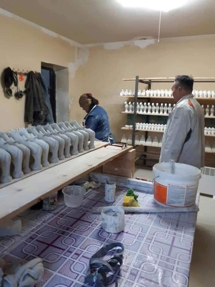 """56416845_2680732458609374_5131458914730115072_n Монгол хүний ур ухаан шингэсэн """"шаазан"""" эдлэлүүд худалдаан гарч эхэллээ"""