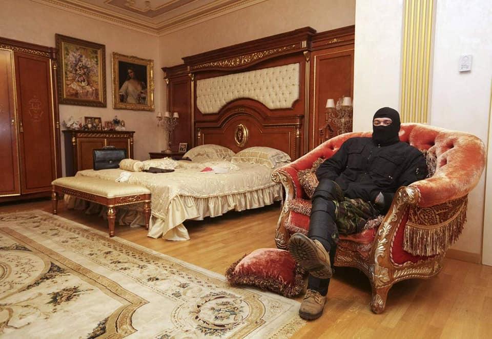 56533793_620288381771085_7738610733209878528_n Улсаасаа зугтсан, Украины прокурор асан Пшонкагийн тансаглал
