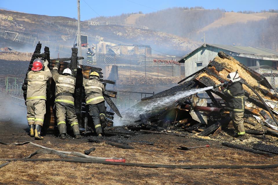 81B56F2F-8488-414C-A90C-94C9AD43AC4D Халуун үнс, нурмаас түймэр дэгдэж, 10 айлын байшин шатлаа