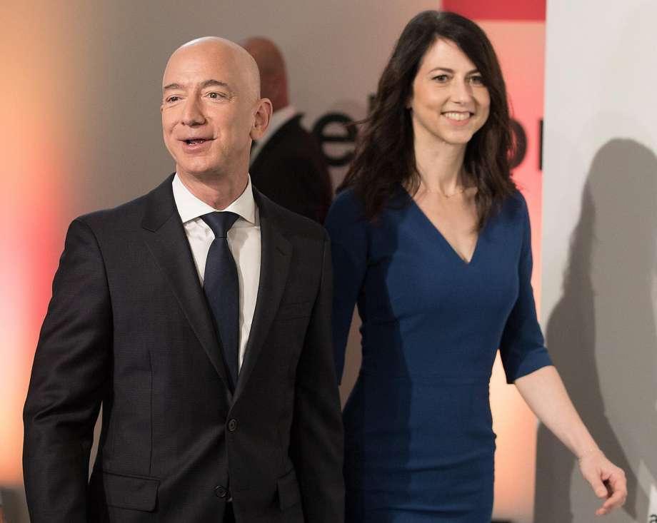 920x920 Amazon-ы тэргүүн эхнэрээсээ салсан ч дэлхийн хамгийн баян хүн хэвээр