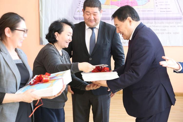IMG_7640_b Монгол улсад анх удаа брайль газрын зураг зохиож хэвлүүллээ