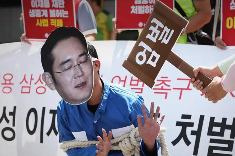 """Солонгосын улс төр, бизнесийг атгасан гэр бүлүүд буюу """"чэбол"""""""