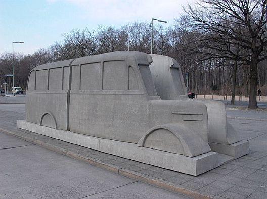 2-10 Дэлхийн II дайнд зориулсан өвөрмөц 15 хөшөө