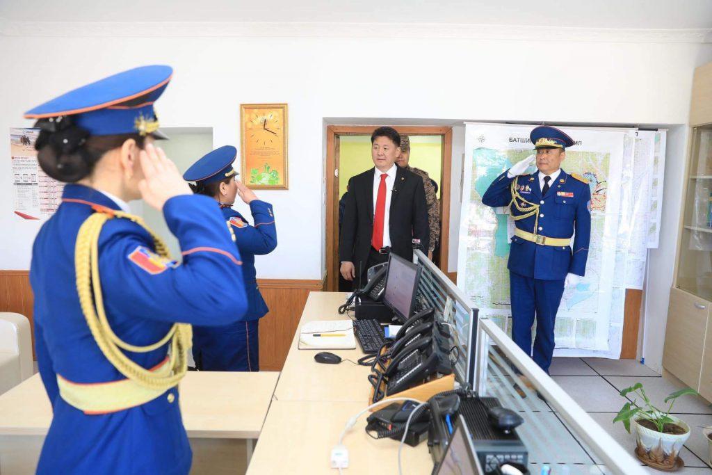 75e0b75d635682a5734c4f5adaf707c8-1024x683 Ерөнхий сайд Чингис хотын төрийн алба хаагчдад үүрэг даалгаврууд өглөө