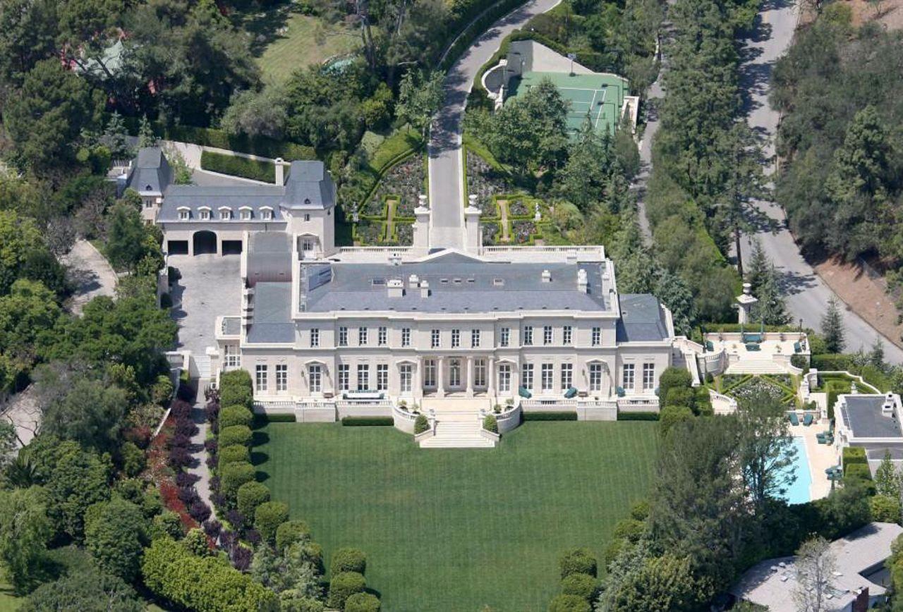 8 Архитекторуудын гайхамшигт шийдэлтэй дэлхийн хамгийн том хувийн 10 ордон