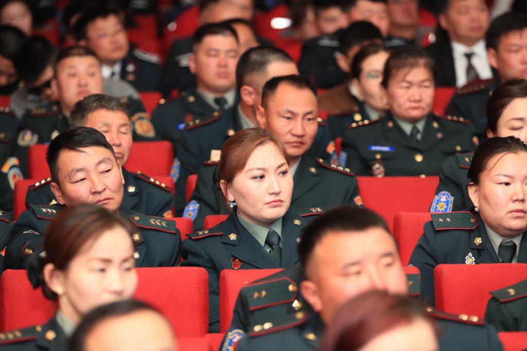 850c912c08daa474d4773f5d38d98d1b-1024x683 Ерөнхий сайд Чингис хотын төрийн алба хаагчдад үүрэг даалгаврууд өглөө