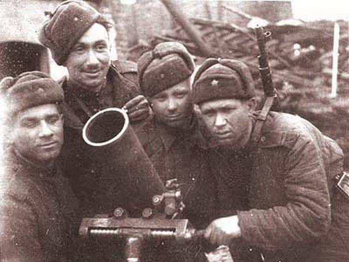Frontline-actors-14 Фронтод тулалдан шархдаж явсан Оросын алдартай жүжигчид
