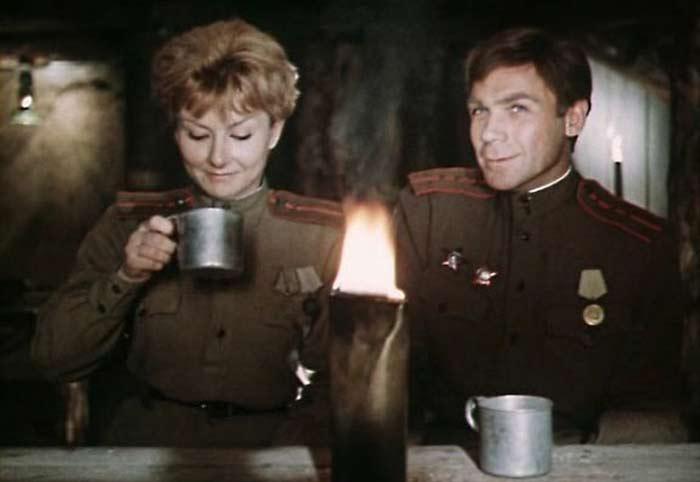 Wladimir-Zamanskiy Фронтод тулалдан шархдаж явсан Оросын алдартай жүжигчид