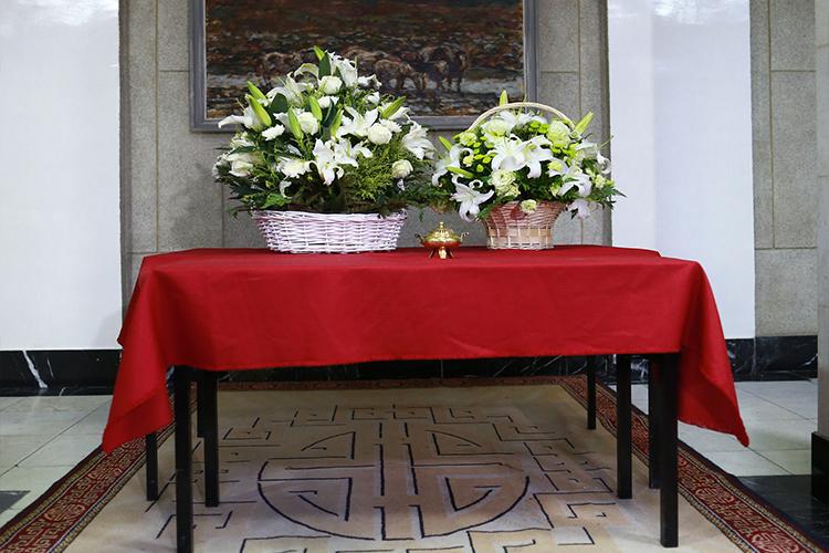 tsetseg УИХ дахь АН-ын зөвлөлийн гишүүд хүндэтгэл үзүүлэн цэцэг өргөлөө