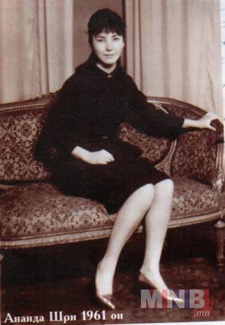 15086334_1236346753103252_80019005_n Их зохиолчийн охин Н.Ананда Ширийн гунигт тавилан
