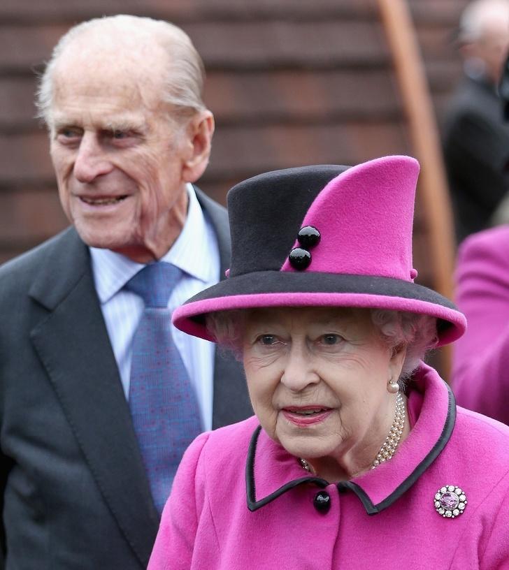 6107615-image-crop-1329x1490-1561368651-728-1c711782c0-1561543258 Хатан хааны насны ханиараа сонгосон Европын хамгийн ядуу хунтайж