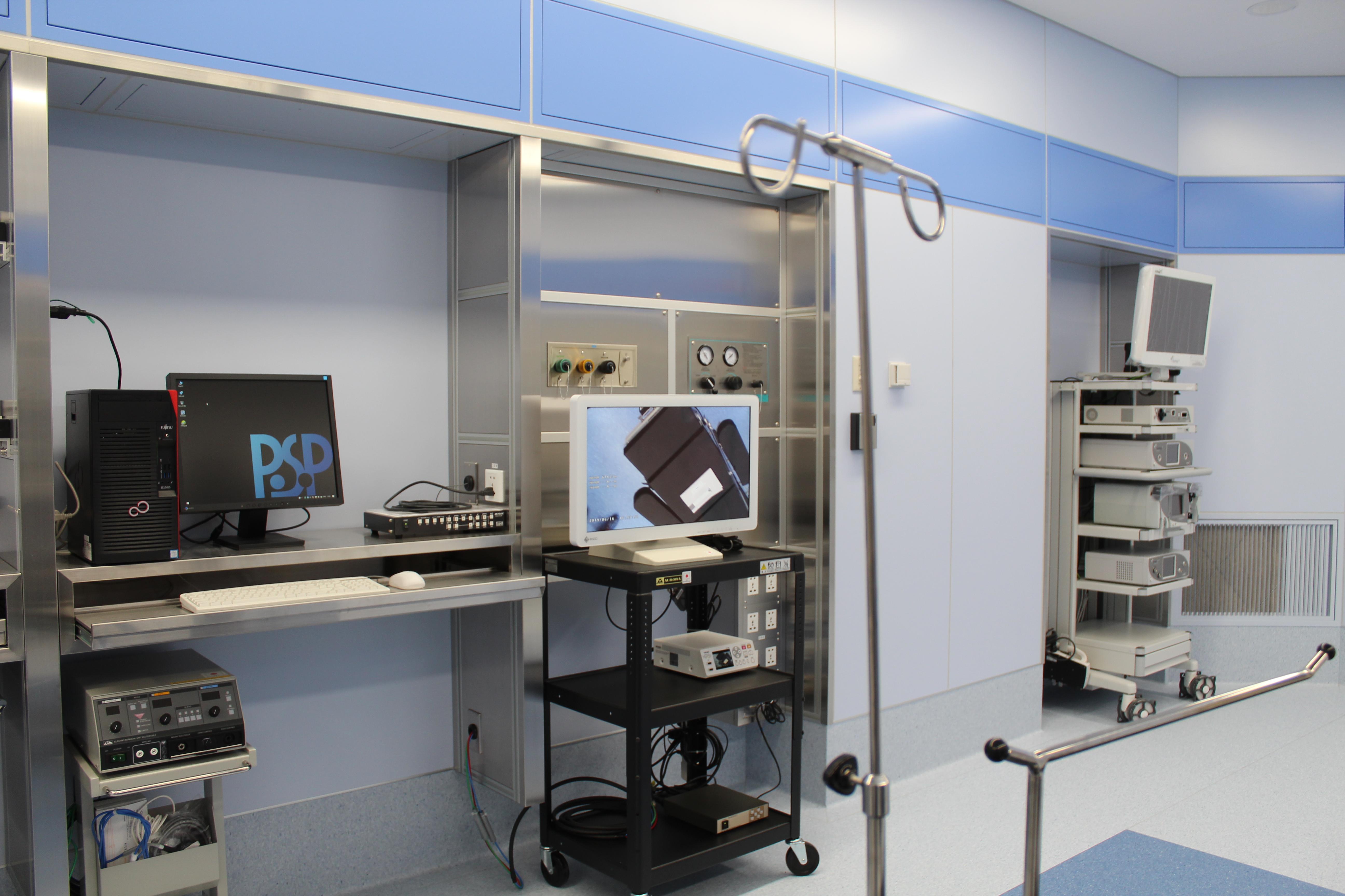 IMG_5661 Л.Ганболд: Мэс заслын тасгийн рентген туяа, цацраг хаалгаар гадагшаа нэвтрэхгүй, бүрэн хамгаалттай
