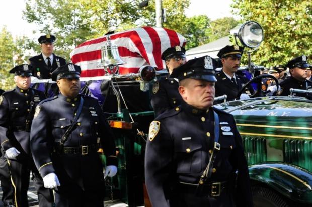 NYPD 72 цагийн дотор Америкийн 2 сенатч, 2 цагдаа буудуулсан байдалтай олджээ