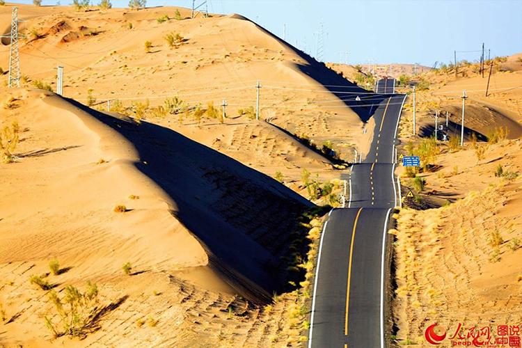 china1 Хятадууд цөлд асфальтан зам тавихын учир...