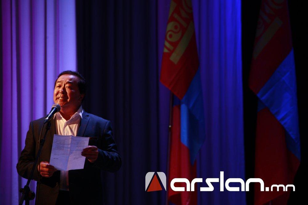 jzznm Ж.Алтангэрэл: Би шүлгээрээ Монголын цагдааг өмөөрч, алдаршуулах болно
