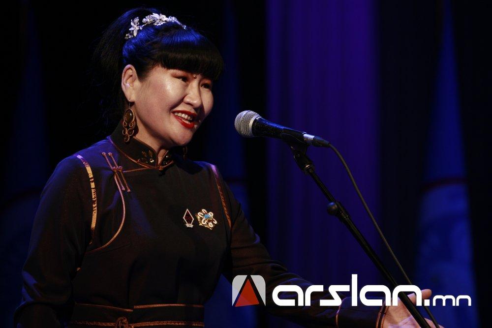 xqgig Ж.Алтангэрэл: Би шүлгээрээ Монголын цагдааг өмөөрч, алдаршуулах болно