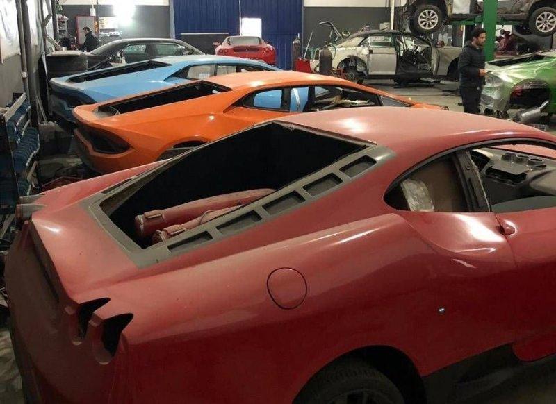 003 Бразилийн цагдаа нар хуурамч Ferrari, Lamborghini-ийн үйлдвэрийг хаалаа