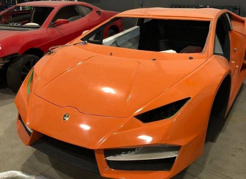 005 Бразилийн цагдаа нар хуурамч Ferrari, Lamborghini-ийн үйлдвэрийг хаалаа