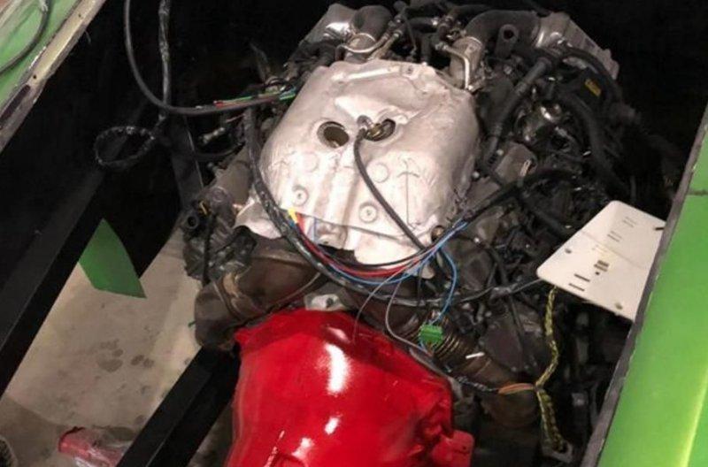 011 Бразилийн цагдаа нар хуурамч Ferrari, Lamborghini-ийн үйлдвэрийг хаалаа