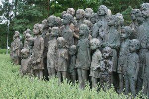 13-5-300x200 Чимээгүй, гэмгүй хохирогчид буюу Лидицегийн 82 хүүхдийн хөшөөний түүх