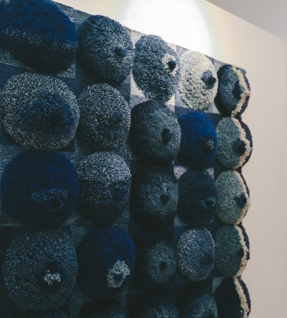 """3-28-926x1024 Дөрвөн зураачийн """"Дөрвөн хөх"""" үзэсгэлэн ХААН галерейд гарч байна"""