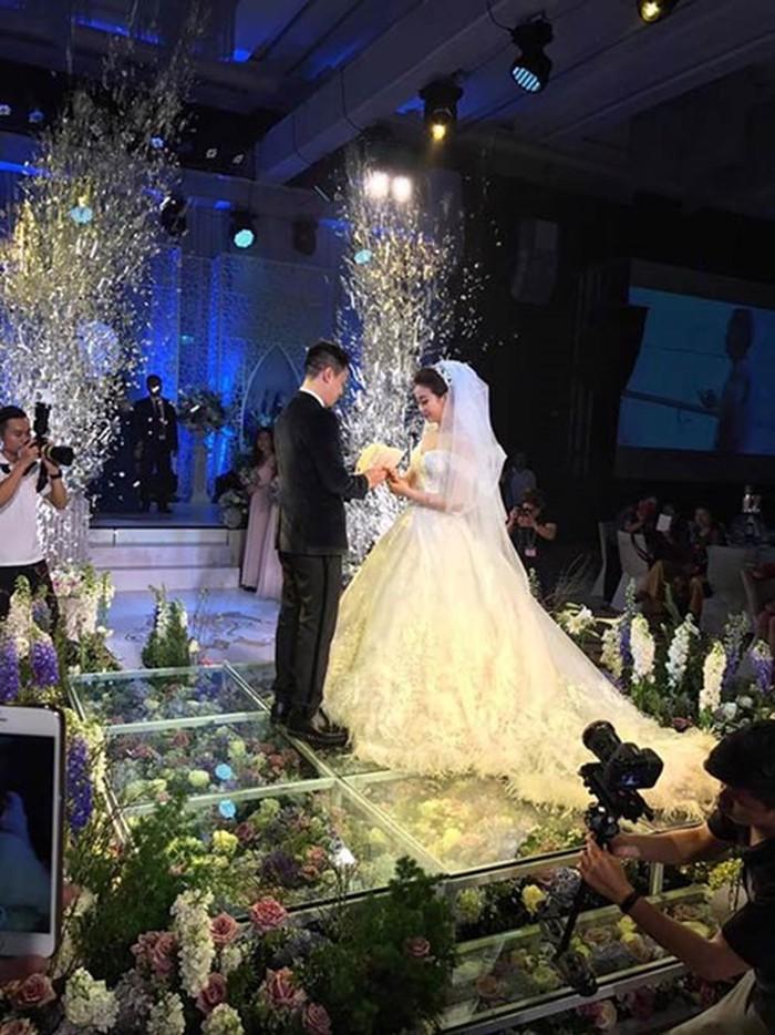 4-11 Интернэтээр танилцаад гэрлэснийхээ дараа нөхрийгөө саятан гэдгийг мэджээ