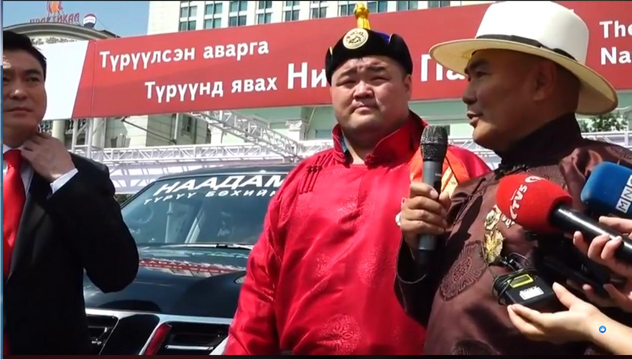 5-7 Монгол Улсын аварга Э.Оюунболд Nissan Patrol Y62 автомашинаа хүлээж авлаа