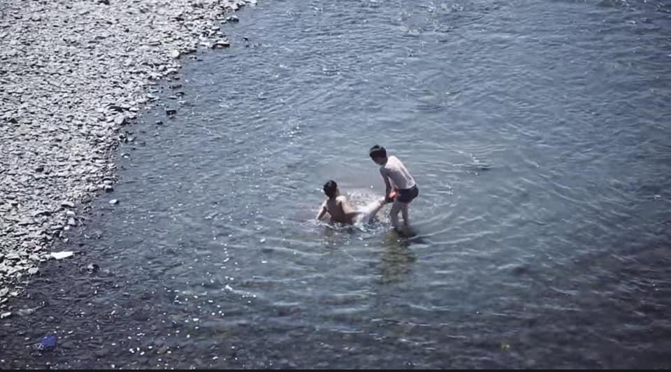 64563755_2861412557263401_8314048011986534400_n Сэрэмжлүүлэг: Хүүхдийг харгалзах хүнгүйгээр гол руу бүү явуулаарай