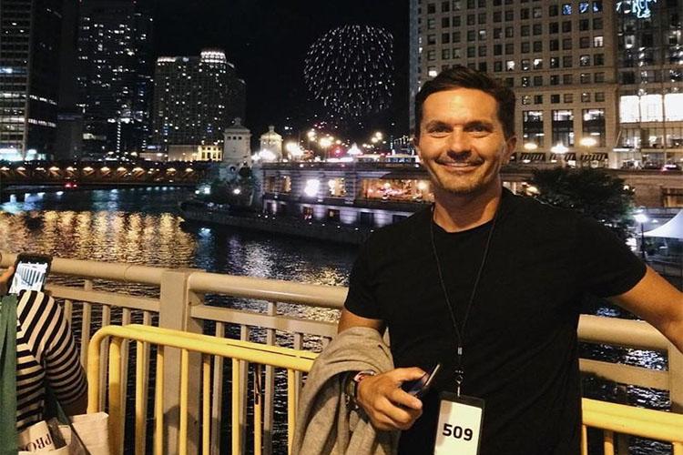 099 Орон гэргүй хар тамхичин эр саятан болсон түүх