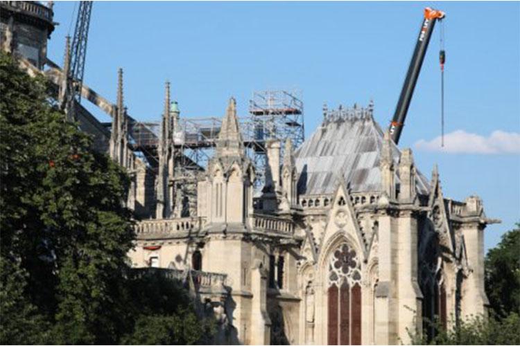12345 Парисын дарь эхийн сүмийг сэргээн босгох ажлыг зогсоожээ
