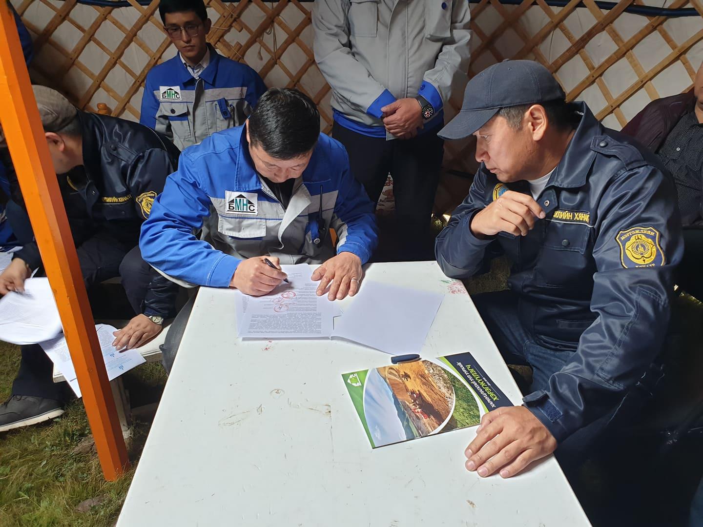 4-30 Орхон голын гольдрол эвдэрч, шар шороогоор урсаж буйд Монгол газар ХХК буруутай