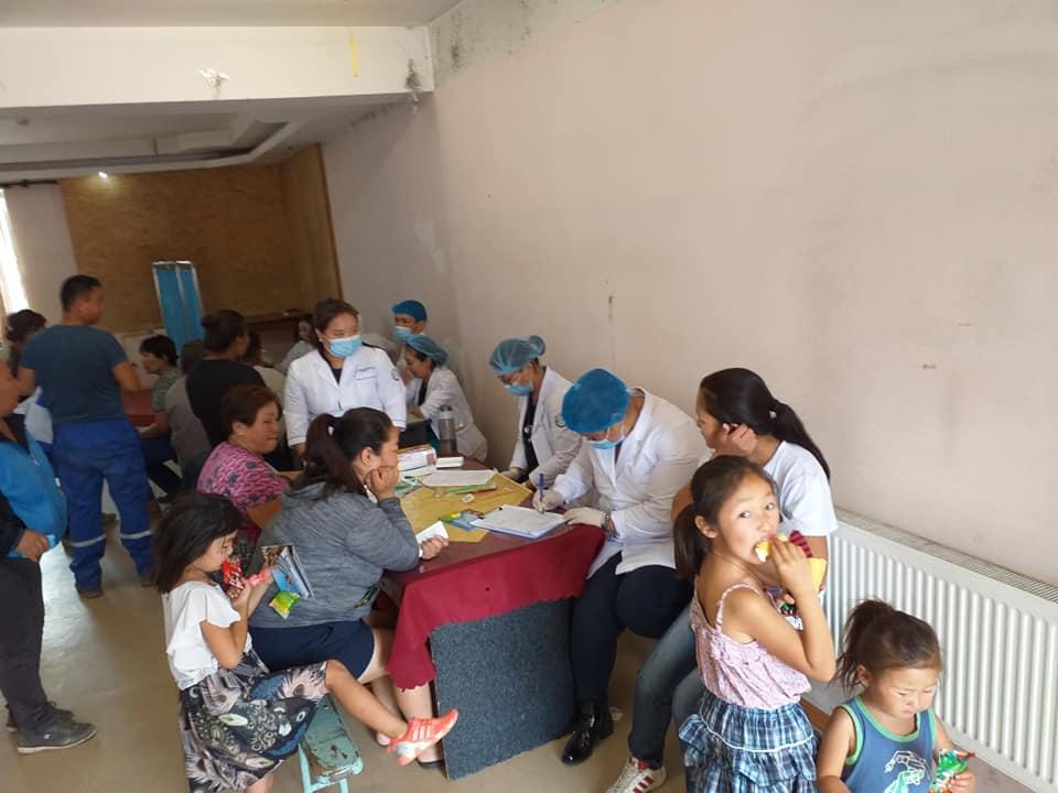 5-23 Хүрээ амаржих газрынхан Улаанчулуутын хогийн цэгт ажиллаж, иргэдэд эрүүл мэндийн үйлчилгээ үзүүллээ