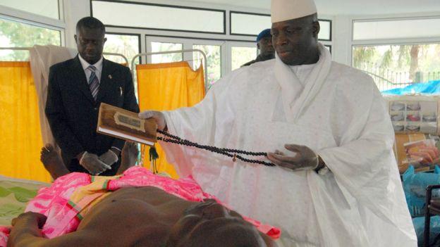 99701558_jammeh2_07epa_koran976-1 Агуу ихийн донгоор өвчилсөн дэлхийн удирдагчид