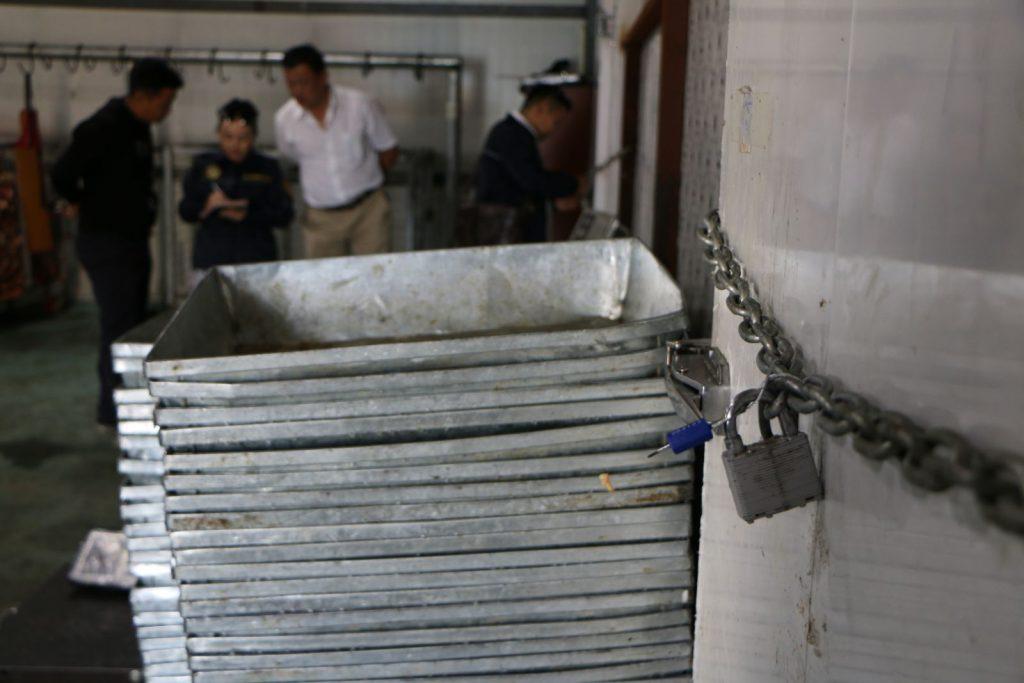 IMG_3028-1024x683 Гарал үүсэл нь тодорхойгүй 60-70 тонн махыг битүүмжлэв