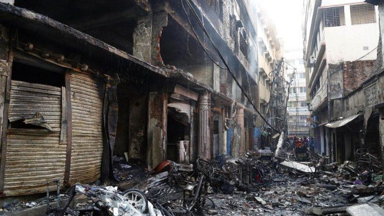 cq5dam.thumbnail.cropped.750.422 Гал түймрийн улмаас 50 мянган хүн орон гэргүй болжээ