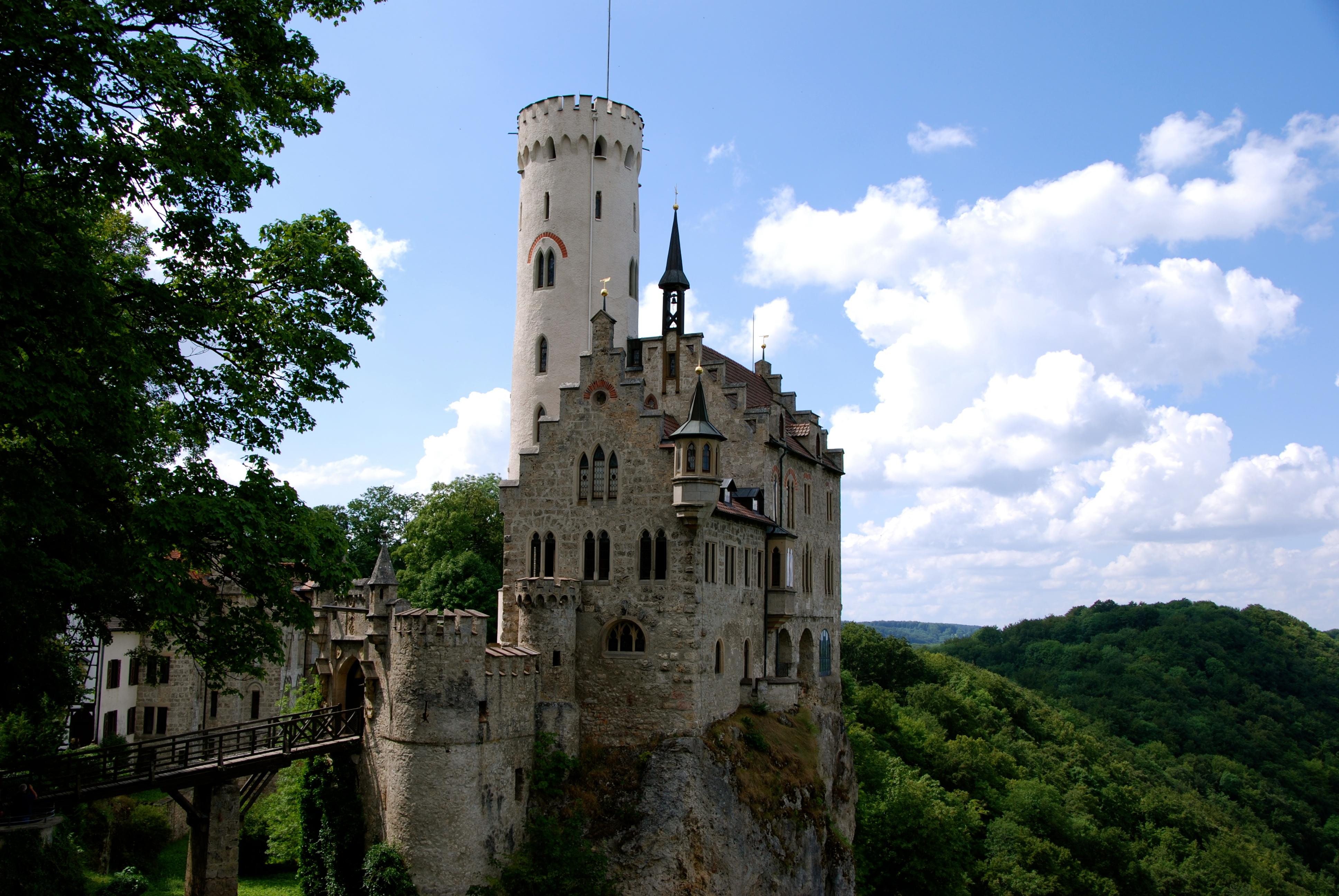 Liechtenstein_Castle Үхэхээсээ өмнө үзэх ёстой дэлхийн хамгийн гайхалтай 21 цайз, шилтгээн