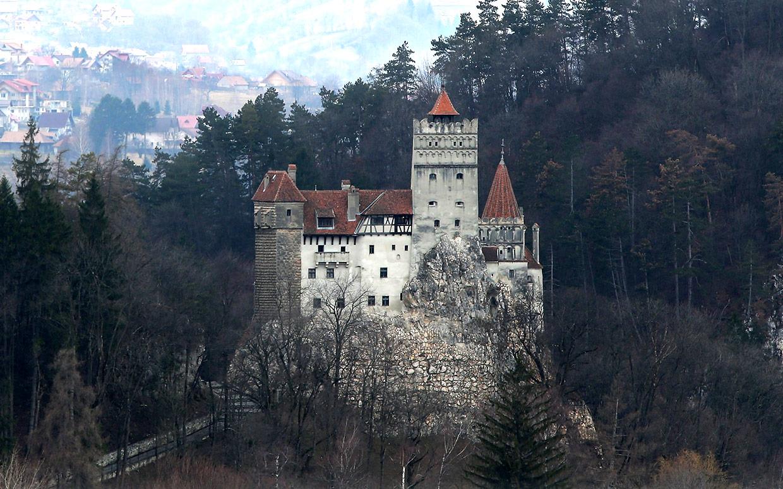 draculars-castle-for-sale-ftr Үхэхээсээ өмнө үзэх ёстой дэлхийн хамгийн гайхалтай 21 цайз, шилтгээн