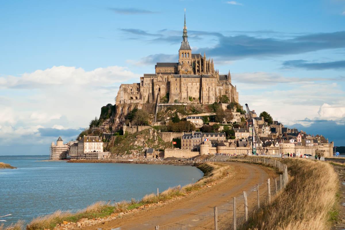 mont-saint-michel Үхэхээсээ өмнө үзэх ёстой дэлхийн хамгийн гайхалтай 21 цайз, шилтгээн